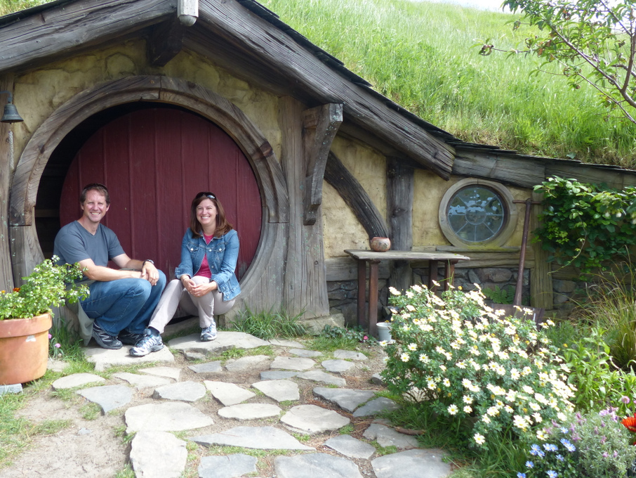 Hobbit Hole with Kat N Kyle