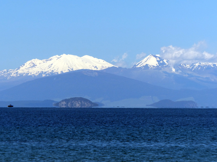 Mordor across Lake Taupo