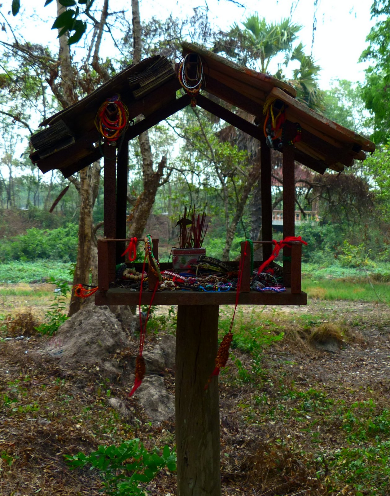 A Spirit House at Choeung Ek provides a shelter for the spirits of those who lost their lives here.