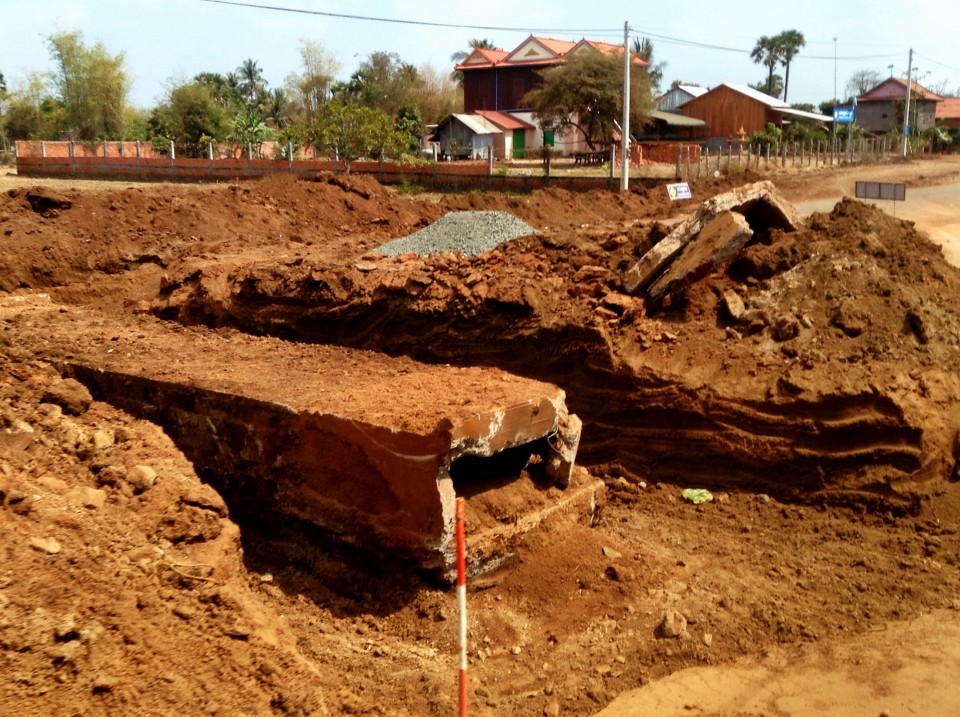 Road construction, anyone? Japan is paying for an improvement of the road between Siem Reap and Phnom Penh, including putting in drainage. That means that the road is completely torn up fairly regularly along the way.