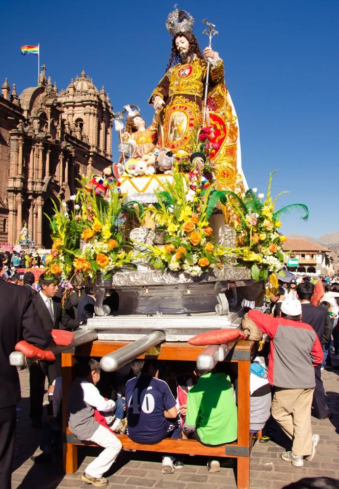 San Jose and his devotees take a break.