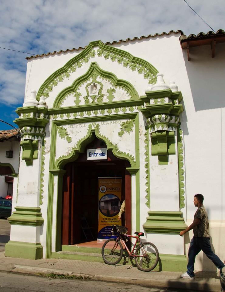 Doorway in Leon